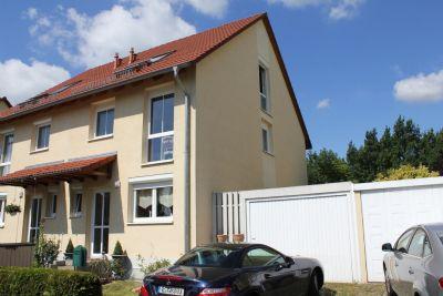 traumhafte doppelhaush lfte mit pool und garage in berlin pankow franz sisch buchholz. Black Bedroom Furniture Sets. Home Design Ideas