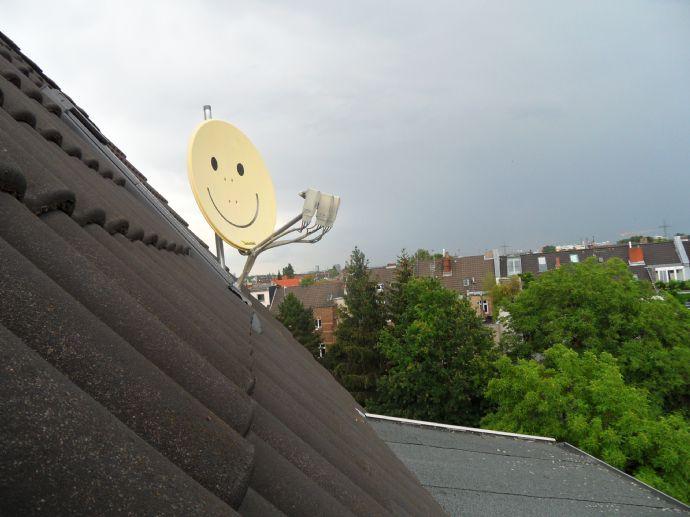 RESERVIERT  über den Dächern von Köln Klettenberg  RESERVIERT   - RESERVIERT - DG-Wohnung im 5. O