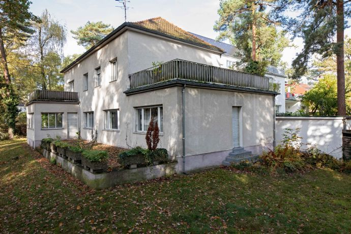 Freistehendes Einfamilienhaus (Einzeldenkmal) Hubertusstraße 10 in Nürnberg-Erlenstegen, 1.500.000,-- Euro (Mindestkaufpreis, Verkauf gegen Angebot)