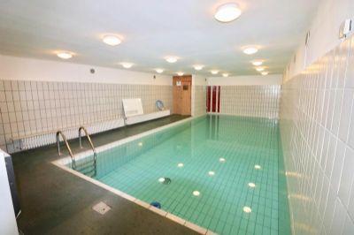 galeriewohnung alt rahlstedt schwimmbad sauna. Black Bedroom Furniture Sets. Home Design Ideas