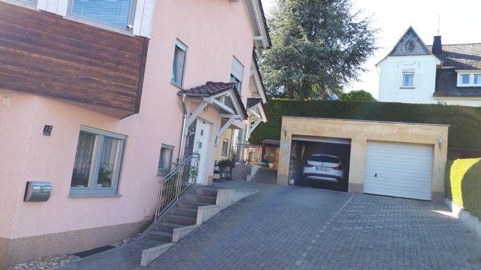 HAUSHÄLFTE zur VERMIETUNG im Zentrum von Hadamar 5 Zi incl.ELW+ Keller,Garten,