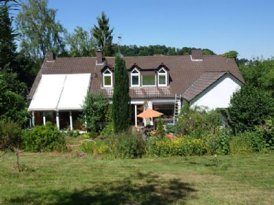 Ansicht Wintergarten und Terrasse