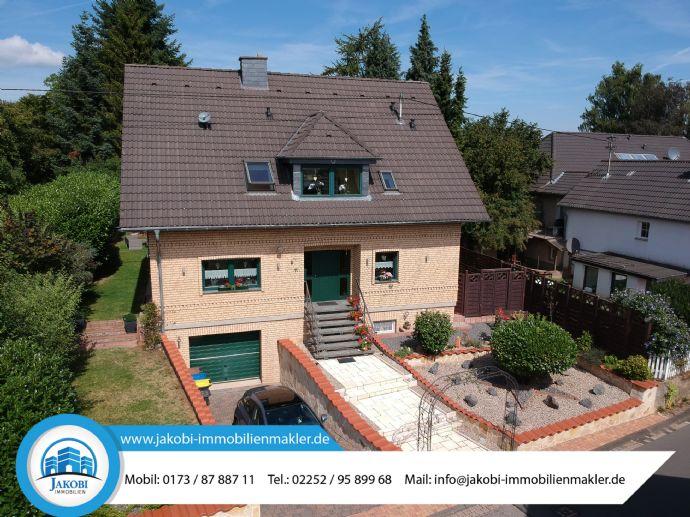 Äußerst gepflegtes und neuwertiges Einfamilienhaus mit Ausbaupotential in Mechernich-Bleibuir (YOUTUBE-VIDEO)