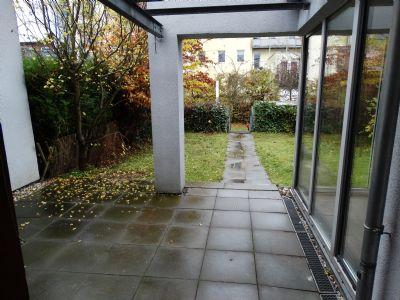 Beispielbild Terrasse vor der Küche vom Reihenhaus