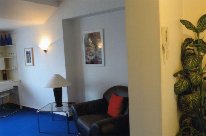 Möblierte Wohnung -attraktiv-zentrale Grünlage-Essen-Moltkeviertel mit PKW-Abstellplatz, auch kurzfristig, direkt vom Eigentümer, provisionsfrei