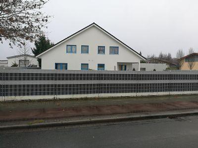 Hochwertiges Wohn.- und Bürohaus mit Gewerbehalle