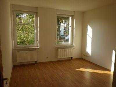 gem tliche 2 raum wohnung mit fahrstuhl wohnung altenburg 2kxur4h. Black Bedroom Furniture Sets. Home Design Ideas