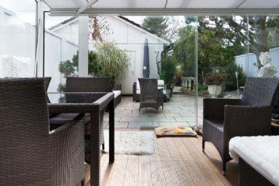 Blick vom Wohnzimmer zum Wintergarten