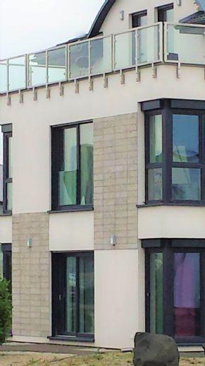 Modernes Reihenmittelhaus mit Dachterrasse