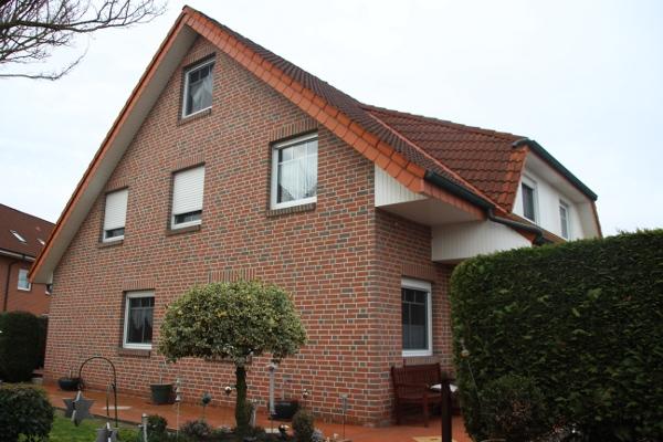 Gepflegte Doppelhaushälfte mit großem Grundstück