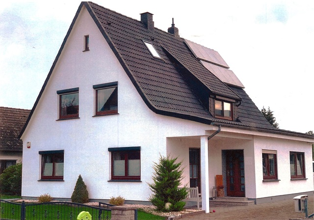 Saniertes Einfamilienhaus mit Extra-Bauplatz - chic