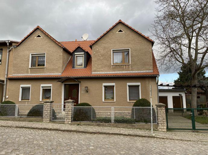 Einfam. Haus mit Garage und Garten in sehr guter Wohnlage