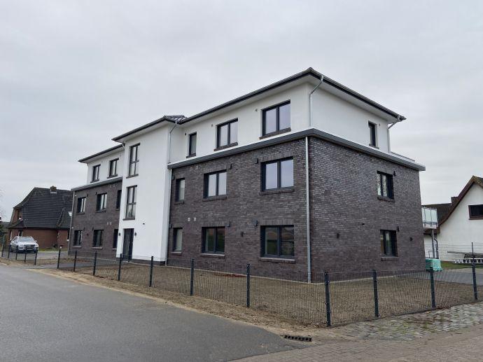 Erstbezug - moderne Neubau 3 Zimmer EG Wohnung mit Einbauküche, nach KFW 55 Standard mit Erdwärmeh