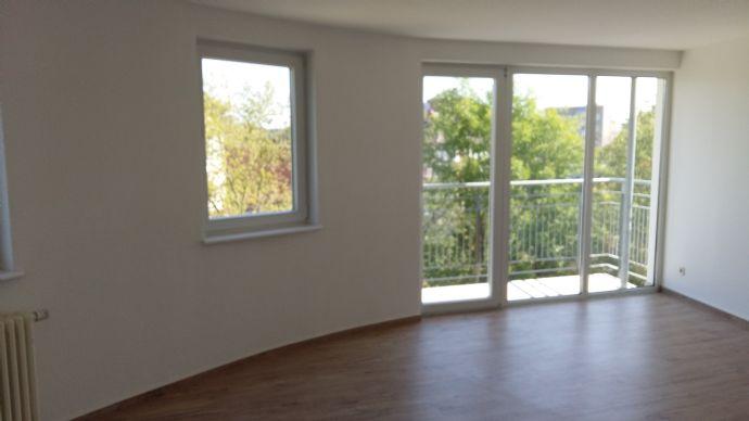 2-Raum Single-Wohnung direkt am Pollingpark in Dessau - Mitte