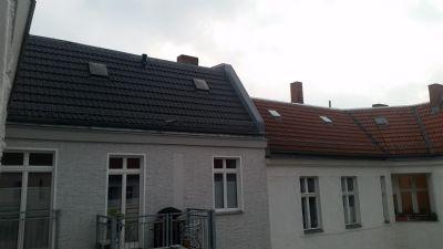 wohnen auf zeit helle und ruhige 2 zimmer wohnung in kreuzberg zu vermieten apartment berlin. Black Bedroom Furniture Sets. Home Design Ideas