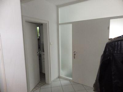 Eingangsbereich zum EG, ehemals kompl. offen