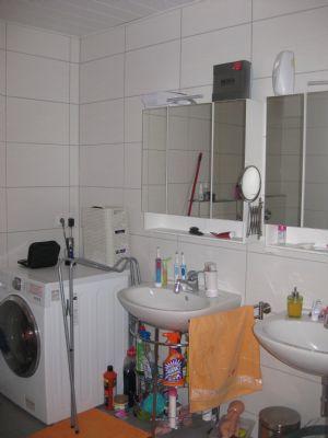 Bad mit Waschmaschinenplatz