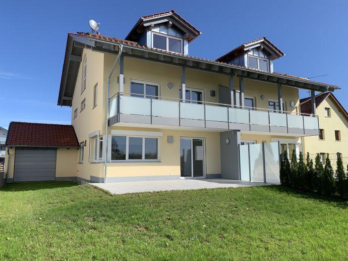 Hochwertige Doppelhaushälfte mit Gartenanteil, Terrasse, Balkon, Garage uvm. - ERSTBEZUG