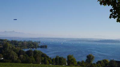 Rarität - Sonniges Baugrundstück (Hanglage) in Daisendorf mit Alpenpanorama und Bodensee Sicht vom privat zu verkaufen