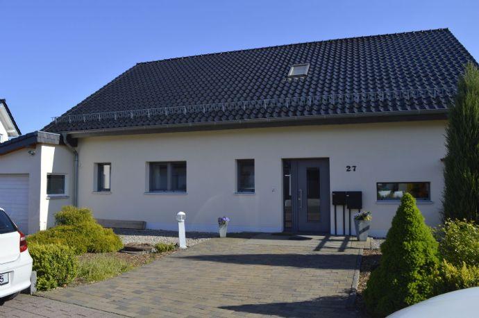 Exklusives, neuwertiges, ruhig gelegenes Einfamilienhaus mit ELW, Passivhaus in Kall, Nordeifel.