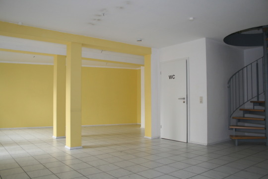 Wohnen und Arbeiten auf zwei intern verbundenen Etagen in Ärztehaus Nähe Messeplatz in Kaiserslauter