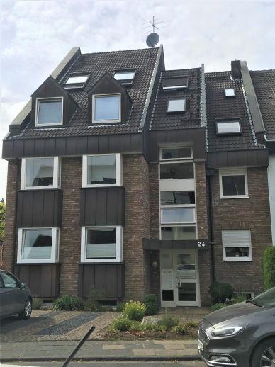 schicke 3-Zimmerwohnung in 5-Familienhaus, Sackgassenlage, 150 m bis zur Rheinpromenade, freiwerdend