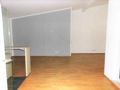 junge wohnung zentral in langenfeld wohnung langenfeld 2hty54d. Black Bedroom Furniture Sets. Home Design Ideas