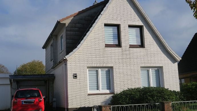 HEIDE : Gepflegtes Einfamilienhaus in zentraler Lage ( Nähe WKK )