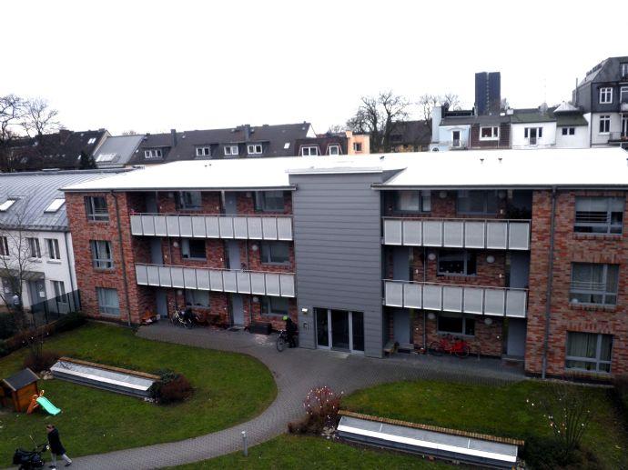 3-Zimmer-Wohnung ca. 93 m², mit großem Süd Balkon, in zentraler und begehrter Lage in Hamburg-Eimsbüttel. BESICHTIGUNG am Freitag, 28.02.20, 17-18 Uhr