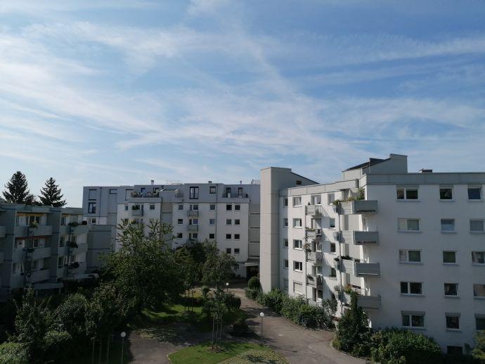 Komplett sanierte 1-Zimmer Wohnung mit Balkon in Sendling
