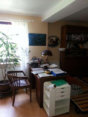 haus seperate mietwohnung wirtschaftsgeb ude mit pferdeboxen einfamilienhaus d tlingen 2b2w74u. Black Bedroom Furniture Sets. Home Design Ideas