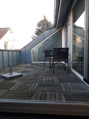 Gepflegte Loft-Wohnung mit drei Zimmern sowie Dachterrasse und EBK in Großauheim