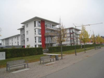 von Privat, hochwertige EG 3 Zimmerwohnung, 73 m2 Wohnfläche und ca. 150 m2 Gartenanteil
