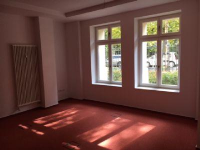 Moderne Heizung & Holzfenster