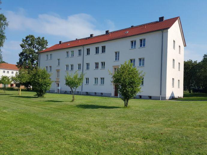 3 Raum Wohnung mit Balkon und Blick ins Grüne