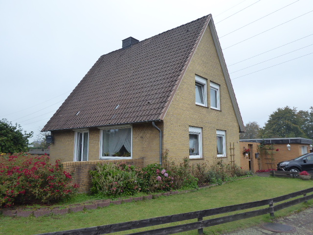 Einfamilienhaus mit großem Grundstück in Neumünster-Einfeld