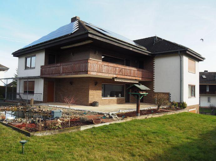 Großzügiges Zweifamilienhaus in ländlichen Strukturen gelegen und doch wieder sehr zentral