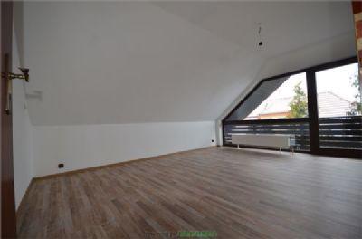 1. Zimmer mit Balkon OG