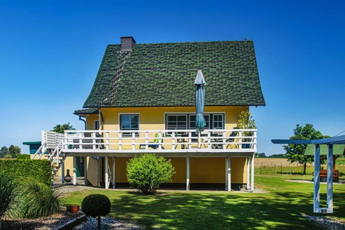 Schönes Einfamilienhaus mit Einliegerwohnung beim Saaler Bodden, unverbaubarer Blick, Ostsee, Strand