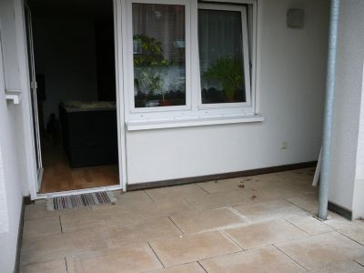 Terrasse mit Blick zum Wohnzimmer