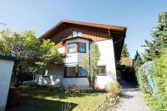 Sehr schönes Einfamilienhaus mit viel Platz für große Familien in absoluter Toplage von Neubiberg