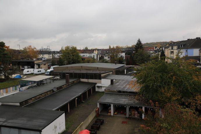 Helle 2,5-Raum-Wohnung in Duissern, 3. Etage, Wannenbad, zentrale Lage!