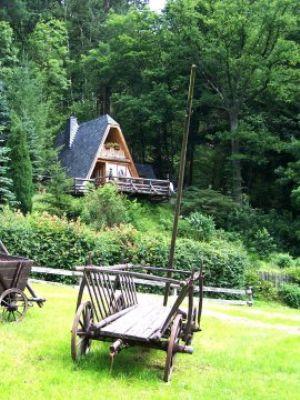 Finnhütte Griebel, ruhig am Wald für 6 Personen mit gemütlichem Kamin,großer Terrasse, Spielplatz