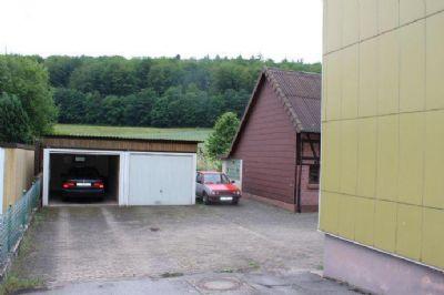 Doppelgarage und Nebengebäude