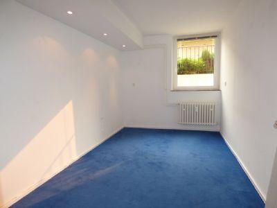 2 zimmer souterrainwohnung in einer ruhigen sackgasse in einem gepflegten 3 parteienhaus. Black Bedroom Furniture Sets. Home Design Ideas