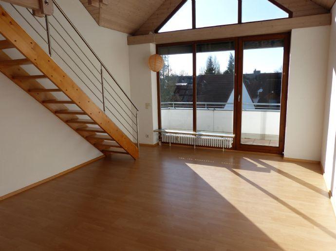 Helle Galeriewohnung mit EBK und Balkon in Ingolstadt-Kothau