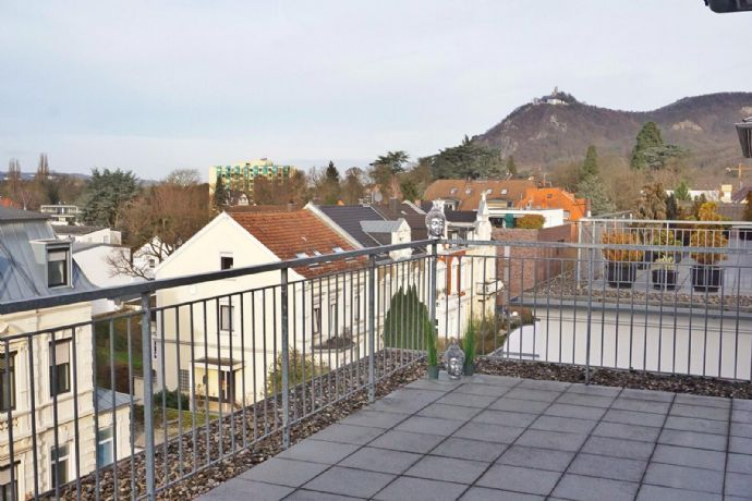 Immobilienrarität Penthouse Wohnung mit grandiosem Blick auf den Drachenfels