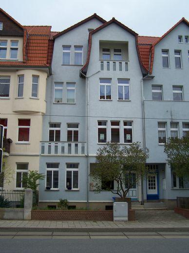 Helle 3-Raum-Wohnung mit Erker