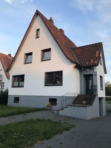 Renoviertes freistehendes Haus mit großen Garten in zentraler Lage in Buxtehude zu vermieten