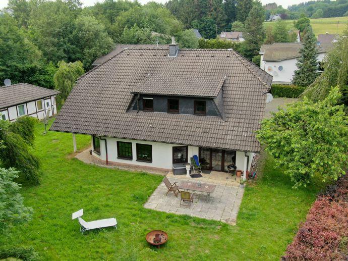 Exklusives Wohnen und Arbeiten in beliebter Vorortlage von Gummersbach